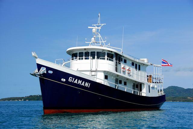 Giamani Similan Island Liveaboard front Left