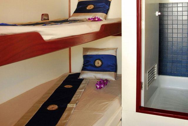 Giamani Similan Island Liveaboard Deluxe cabin with Bathroom