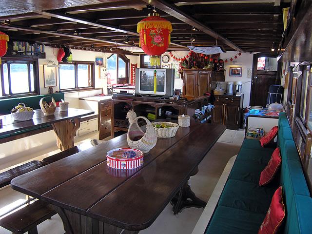 Salon - The Junk, Uniqque Similan Island Liveaboard